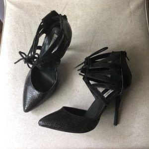 Steve Madden Black Strap Tie Fandy Heel 8M
